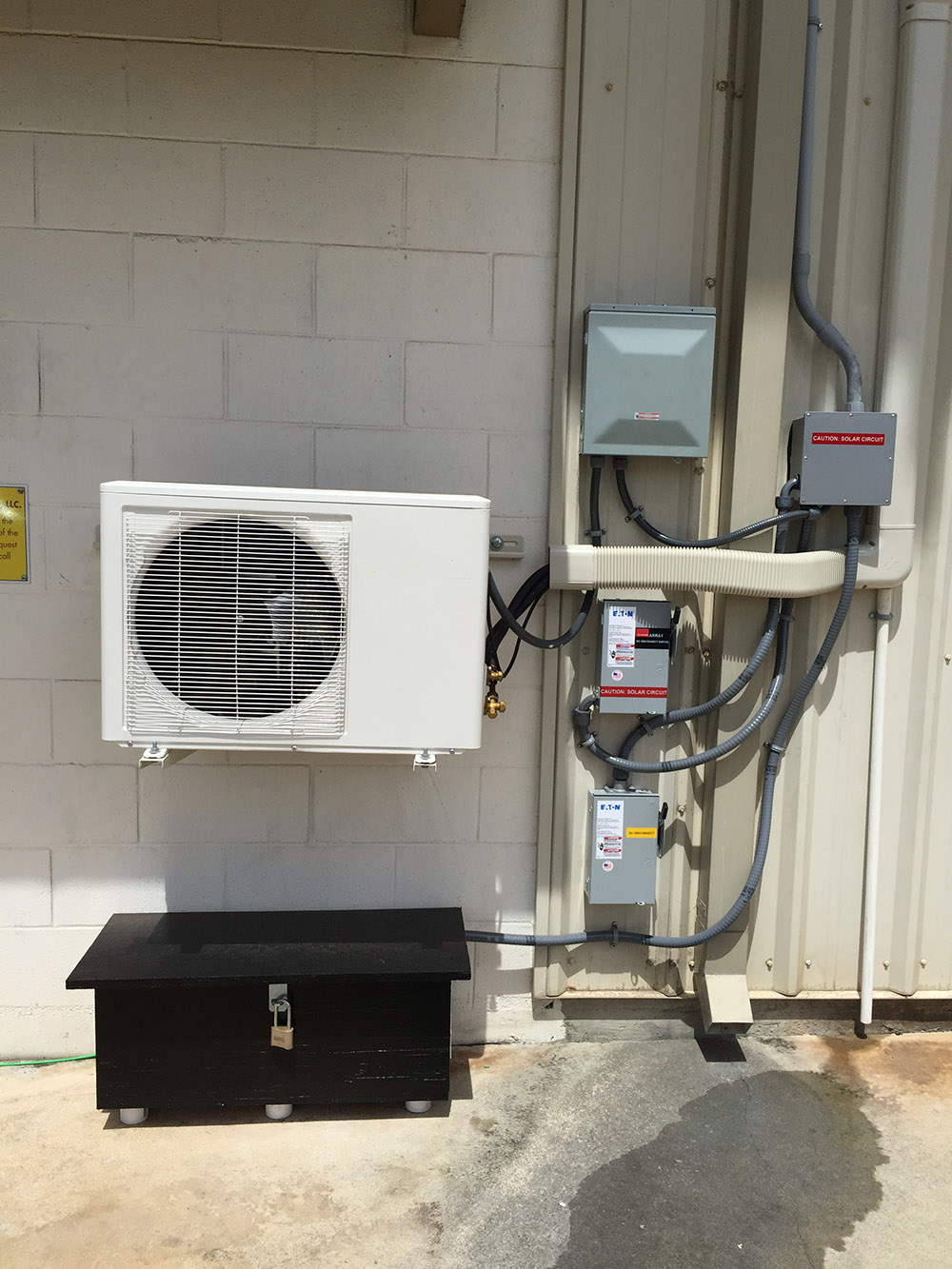 Mr Cool DC 48v 100% Solar Air Conditioner installed in USA