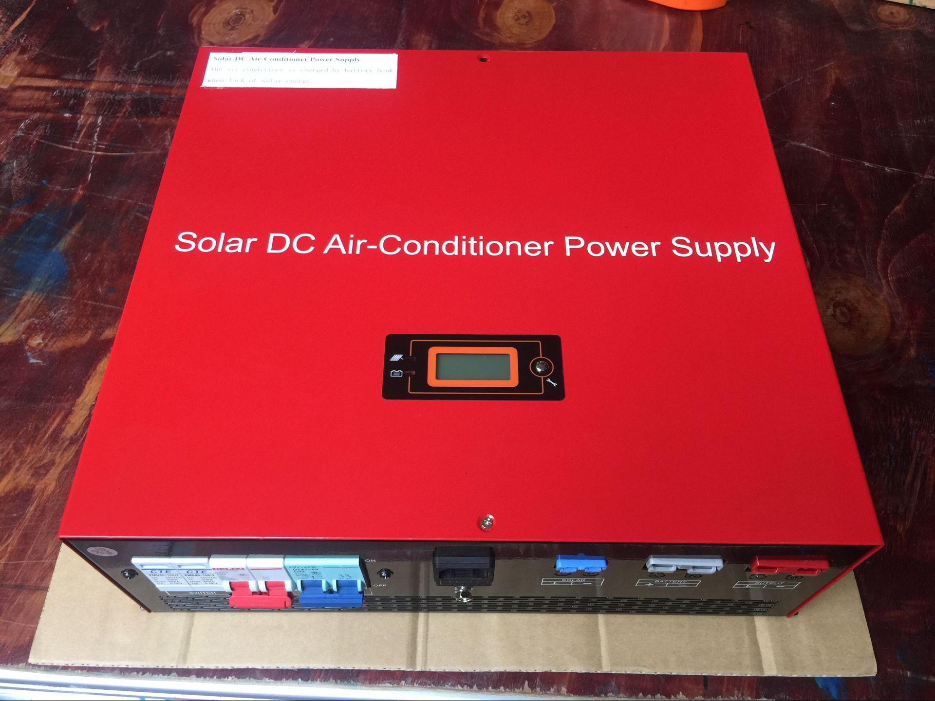 Mr Cool On/Off Grid Solar Air Conditioner shipping to Slovakia